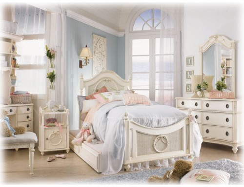 White-Vintage-Bedroom